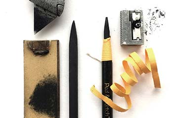 Sharpen a charcoal pencil with a string