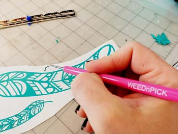 use the right blade for weeding vinyl